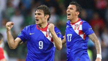 Евро-2012. Ирландия - Хорватия - фартовая шапка Билича