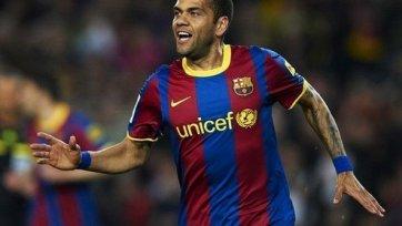 В «Барселоне» не довольны Алвешом