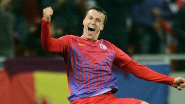 Защитник сборной Румынии выберет между Италией и Россией