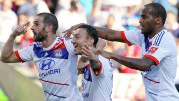 «Лион» вышел в лидеры чемпионата Франции