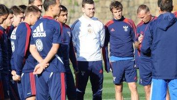 Сборная России провела тренировку по времени в футбольный поединок