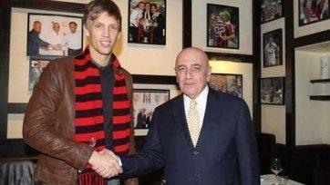 Бартош Саломон дал первое интервью после перехода в «Милан»