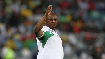 Сборной Нигерии не придется искать нового тренера