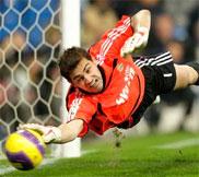 Хорошая подборка сейвов Икера Касильяса (Iker Casillas) 2002 - 2013