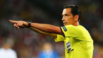 Игрок «Валенсии» нанес травму арбитру