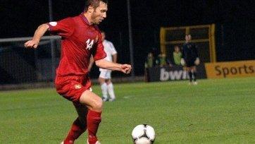 Тарас Степаненко едва не снес голову защитнику сборной Молдовы (видео)