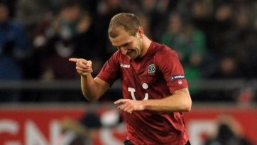 «Дубль» Рауша принес победу «Ганноверу» над «Аугсбургом»