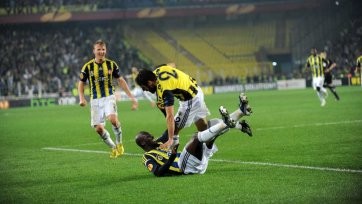 «Фенербахче» заслуженно обыграл «Бенфику» в Стамбуле