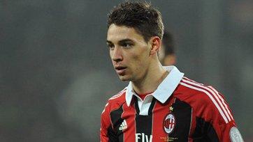 «Милан» будет еще месяц обходиться без Де Шильо