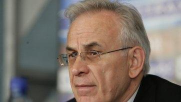 «Анжи» стартует в Лиге Европы без тренера