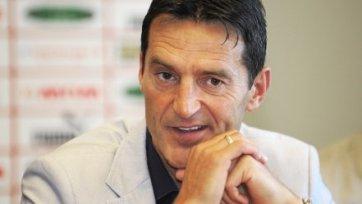 Сборная Македонии неожиданно осталась без главного тренера