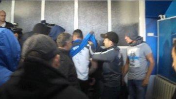 Фанаты «Левски» сорвали презентацию нового тренера клуба (видео)