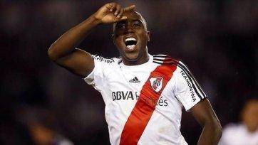 «Барселона» планирует купить молодого колумбийского защитника