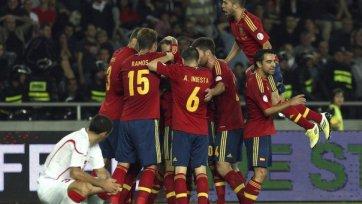 Испания побеждает и занимает первое место в группе