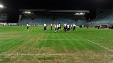 «Манчестер Сити» провел тренировку на полутравяном поле