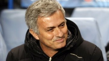 FA не будет наказывать Моуриньо за стычку с футболистом