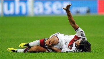 Хедира травмировал колено в матче за сборную
