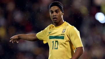 «Бешикташ» попытается убедить Роналдиньо сменить команду