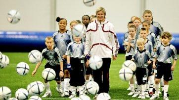 Футболисты и их благотворительность. Часть вторая!
