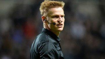Майк Джонс получил наказание от FA