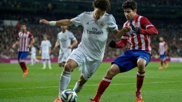 «Реал» уверенно бьет «Атлетико»