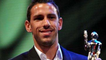 Макси Родригес завершает международную карьеру