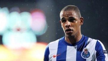Официально: Фернандо продлил соглашение с «Порту»