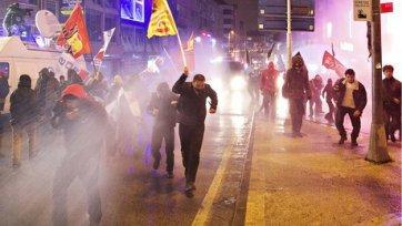 Два фаната «Челси» получили ножевые ранения в Турции