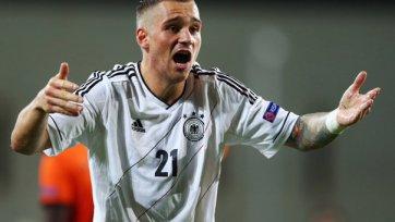 Дебют Ласогга в сборной Германии откладывается