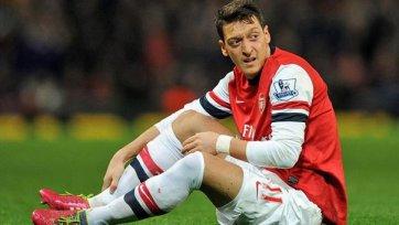 «Арсенал» на несколько недель потерял Озила