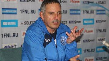 Главный тренер «Ротора» угодил в больницу