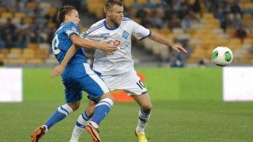 «Днепр» обыгрывает «Динамо» и выходит в лидеры
