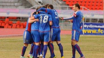 Два удаления и пять голов в матче «Енисей» - «Ангушт»