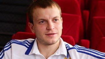 Олег Гусев тренируется в общей группе, но головой бить запрещено