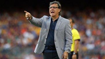 Испанские СМИ: Мартино в мае распрощается с «Барсой»