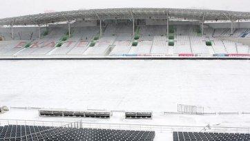 Снегопад может помешать проведению матча между «Уралом» и «Томью»
