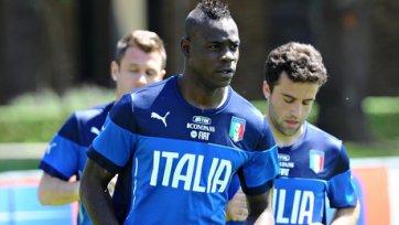Марио Балотелли подвергся расистским нападкам со стороны фанатов