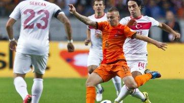 Двое игроков сборной Голландии получили травмы
