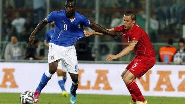 Италия позорится в матче с Люксембургом