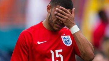 Англия в преддверии чемпионата мира потеряла Окслейд-Чемберлена