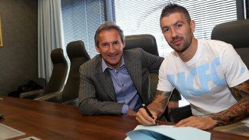 Официально. Александр Коларов продлил контракт с «Манчестер Сити»