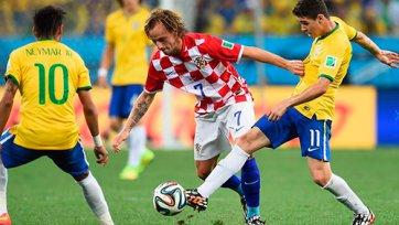 Бразилия стартует с победы, но вопросы остаются