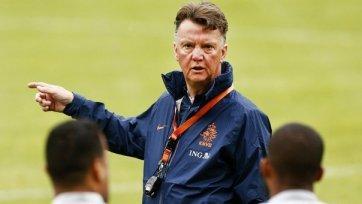 Робин ван Перси: «Наш тренер не только хороший специалист, но и отличный человек»
