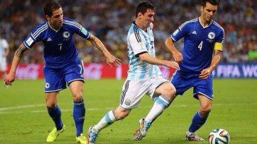Аргентина не без приключений одолела Боснию