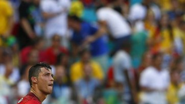 Германия громит Португалию, Мюллер оформил хет-трик