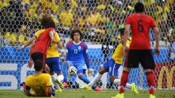 Очоа – лучший игрок матча Бразилия – Мексика