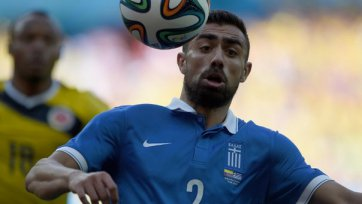 Футболист сборной Греции хотел покинуть расположение команды из-за ссоры с партнером
