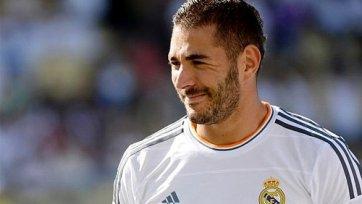 Испанские СМИ: Бензема продлил контракт с «Реалом»