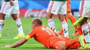 Пинто: «В нашем матче с голландцами, судья должен присмотреть за Роббеном»
