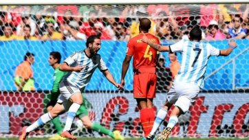 Аргентина минимально бьет Бельгию